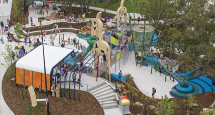 Nestled among mature trees in the centre of the estate, connecting with barbecue and picnic areas, walking trails and turfed recreation zones, the Bulrush Park playground is the heartbeat of the Providence community